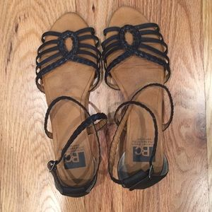 Braided strappy wedge sandals, size 8, black